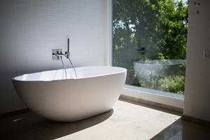 free-standing-tub-300x203